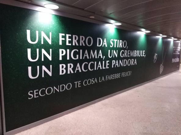campagna-pandora-natale-2017-affissione